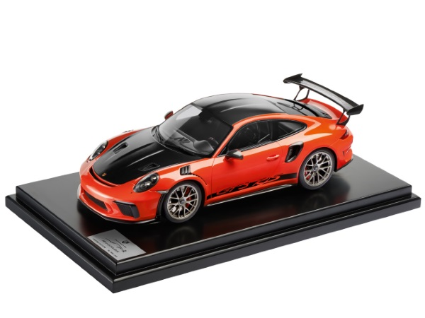 911 GT3 RS with Weissach Package, 1:12, Lava Orange, Limited Edition